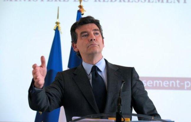 """Arnaud Montebourg, le ministre du Redressement productif, annonce que, """"dans un contexte de recul du marché automobile"""", il proposera """"prochainement"""" au président de la République et au Premier ministre """"un plan d'actions pour l'avenir de la filière automobile""""."""