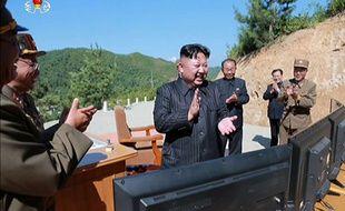 Le leader nord-coréen s'est félicité du lancement d'un missile intercontinental de longue portée.