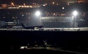 L'avion a pu atterrir sans faire de blessés