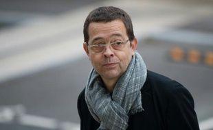 L'ancien docteur Nicolas Bonnemaison arrive à la cour d'assises d'Angers le 24 octobre 2015