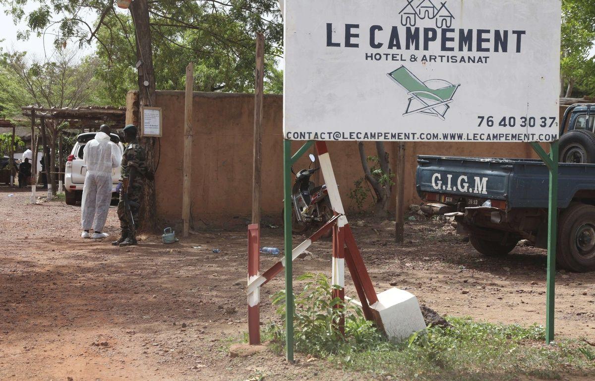 Cinq personnes, trois civils et deux militaires, ont péri dans l'attaque jihadiste visant des étrangers près de Bamako dimanche 18 juin 2017. – Baba Ahmed/AP/SIPA
