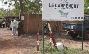 Cinq personnes, trois civils et deux militaires, ont péri dans l'attaque jihadiste visant des étrangers près de Bamako dimanche 18 juin 2017.