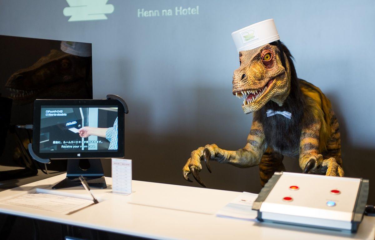 Un dinosaure robotique accueille les clients du Henn na hotel, au sud du Japon. – M.CENA/20 MINUTES