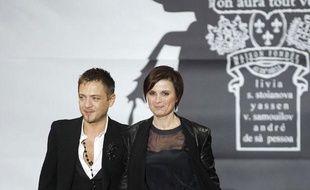 Livia Stoianova, à droite, et Yassen Samouilov apparaissent à la fin de la présentatation de leur collection haute couture On Aura Tour Vu le 23 janvier 2013.