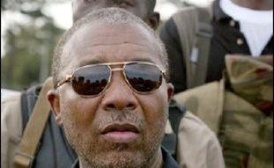 La présidente du Liberia, Ellen Johnson-Sirleaf, a demandé formellement au Nigeria l'extradition de son prédecesseur en exil, Charles Taylor.
