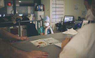 L'Assistance publique-Hôpitaux de Paris (AP-HP) lancera lundi une campagne de recrutement de 4.000 personnels non médicaux et de 1.000 médecins