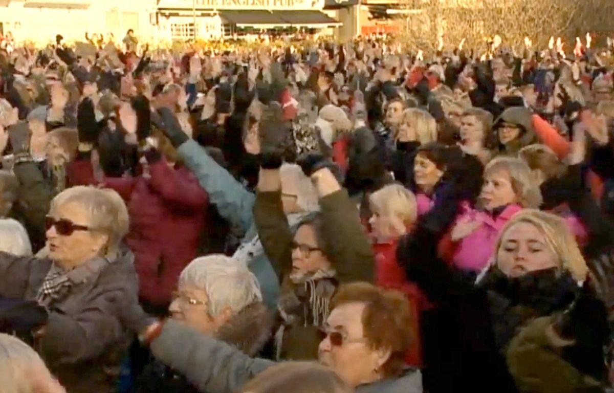 Manifestation des femmes en Islande contre l'inégalité salariale, le 24 octobre 2016 – Capture d'écran