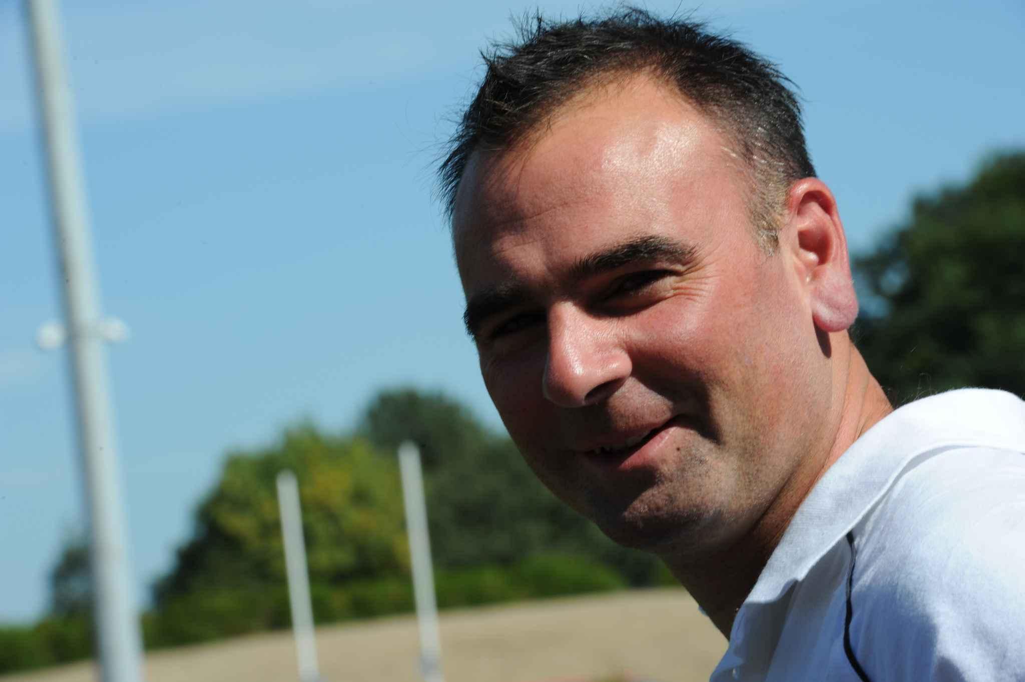 Après un an de chômage, Denis Renaud va retrouver un banc de touche. - 2048x1536-fit_carquefou-le-02-09-2010-denis-renaud-entraineur-du-club-usja-de-carquefou