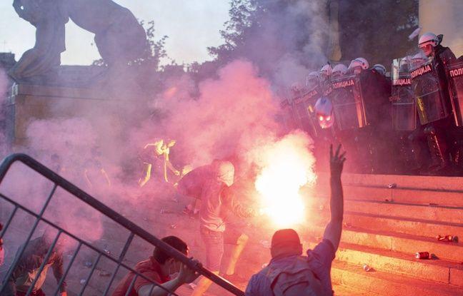 Coronavirus: De nouvelles manifestations dégénèrent à Belgrade