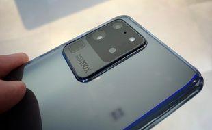 Le Galaxy S20 Ultra est le modèle haut de gamme de la série S20 de Samsung.
