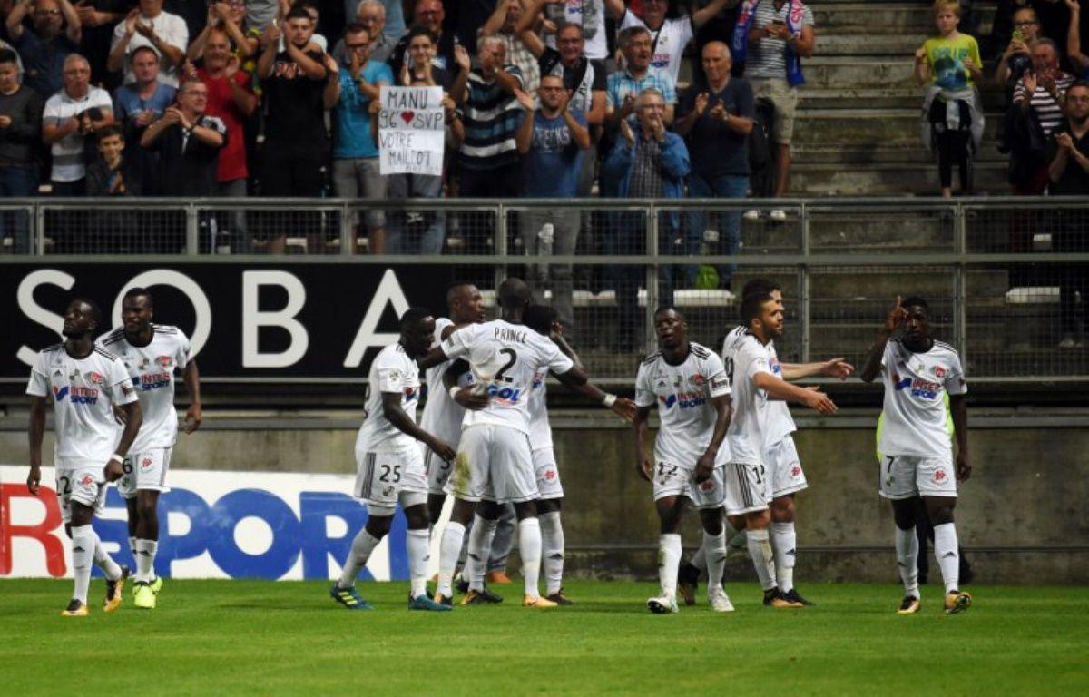 Le club d'Amiens fait ses premiers pas en Ligue 1 – FRANÇOIS LO PRESTI / AFP