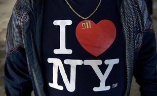 Un tshirt avec le logo en 2016