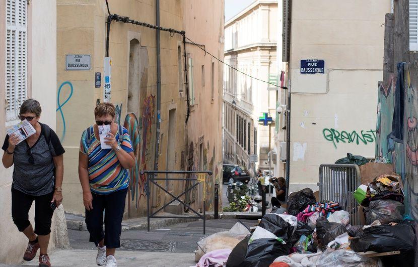 Marseille : Des grévistes perturbent le ramassage des poubelles, la métropole demande l'interviention du préfet de police