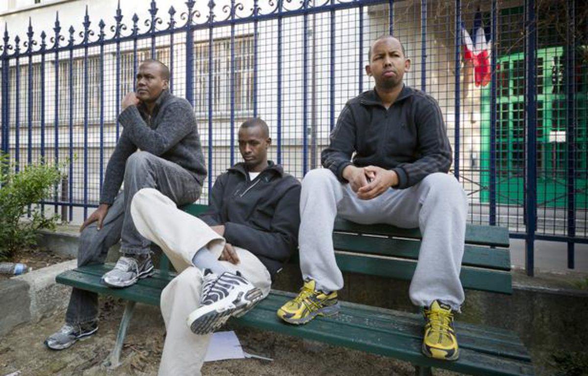De gauche à droite: Abdulqader, Abdurahman et Abdullahi, trois somaliens arrêtés il y a quatre ans après l'attaque du Ponant par des pirates somaliens. Ils ont passé quatre ans en prison. – V. WARTNER / 20 MINUTES