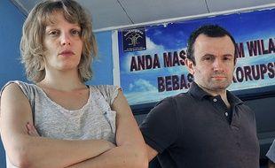 Thomas Dandois (R), 40, et Valentine Bourrat, arrêtés en Indonésie.