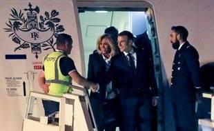 Le premier contact d'Emmanuel Macron à son arrivée en Argentine: un