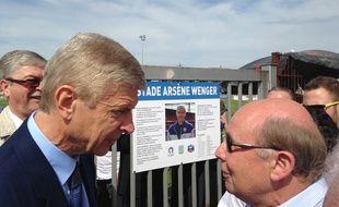 Duppigheim, le 22 mai 2016. - Plus de 600 personnes sont venues à l'inauguration du premier stade Arsène Wenger à Duppigheim en présence du manager d'Arsenal.