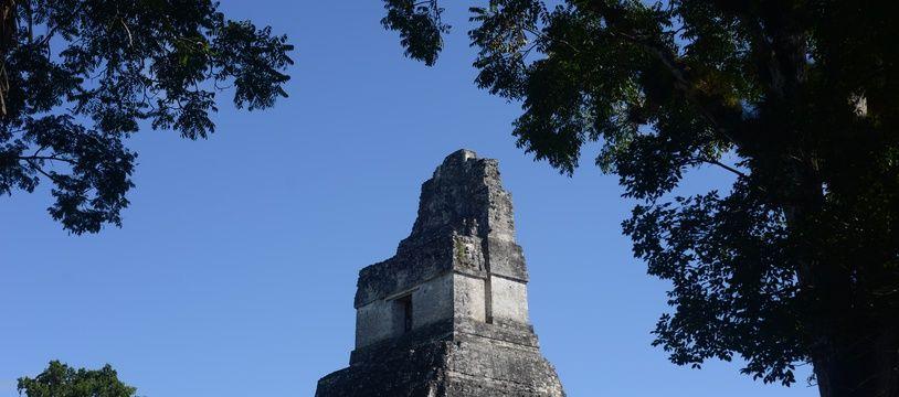 Le temple maya du grand jaguar, une pyramide construite vers 700 sur le site de Tikal, au Guatemala.