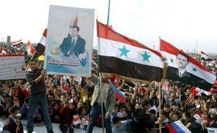Le régime du président syrien Bachar al-Assad restait mercredi inébranlable dans sa volonté de tenter de faire taire la contestation par la violence, en dépit des sanctions qui pleuvaient de toutes parts contre lui.