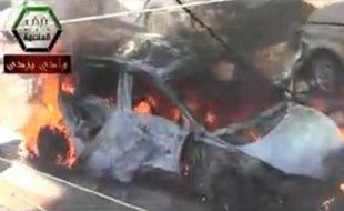 Un attentat à la voiture piégée a fait au moins 40 morts en Syrie, le 25 octobre 2013.