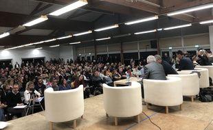 Des centaines de personnes ont assisté à la réunion publique à Sainte-Pazanne