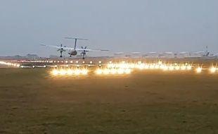 Un avion rate son atterrissage à l'aéroport d'Amsterdam-Schiphol