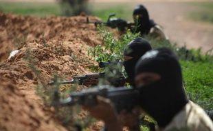 Au moins 14 personnes, dont sept femmes, ont été tuées mercredi par des rebelles dans le village de Khatab, dans la province de Hama, dans le centre de la Syrie