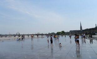 Le miroir d'eau à Bordeaux, le 22 juin 2018.