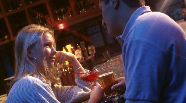 Que faire en cas de premier rencard Tinder désastreux? Ce bar a une solution
