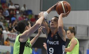 Céline Dumerc et les Bleues ont débuté leur Euro par une victoire étriquée face à la Slovénie (70-68).