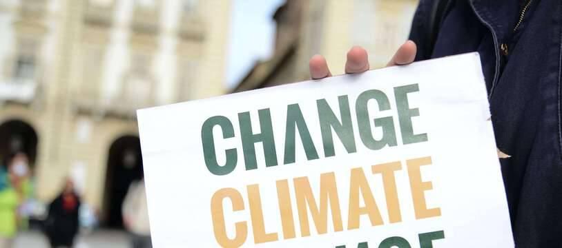 Une manifestation en Italie à Turin pour demander des mesures contre le changement climatique, le 9 octobre 2020.