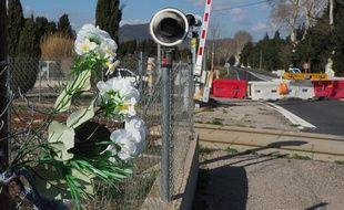 Le passage à niveau où a eu lieu l'accident de bus, à Millas, en mai 2019.