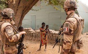 Des militaires de l'opération Barkhane, à Gossi dans le nord du Mali le 21 avril 2019.