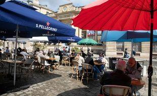 """Les terrasses """"éphémères"""" pérennisées à Paris."""