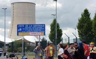 Une amende de 2.000 euros a été requise lundi devant la cour d'appel de Toulouse contre EDF, poursuivie par des associations antinucléaires à la suite d'une fuite radioactive dans la centrale de Golfech (Tarn-et-Garonne), a-t-on appris auprès des avocats.