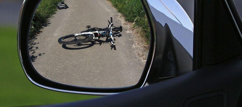 Illustration d'un délit de fuite de la part d'un automobiliste après un accident impliquant un cycliste.
