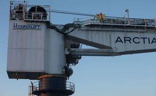 Des militants de Greenpeace ont été arrêtés après l'abordage jeudi en pleine mer Baltique d'un brise-glace Nordica affrété par Shell pour l'aider dans un forage en Arctique, que l'organisation écologiste avait déjà tenté de bloquer au port d'Helsinki