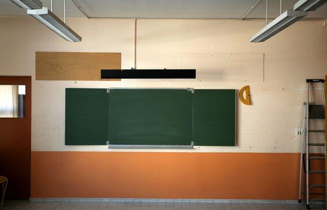 648x415 salle de classe vide un jour avant la rentree des eleves tableau noir craie