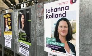 Des panneaux électoraux à Nantes: Les candidates Johanna Rolland, Julie Laernoes et Margot Medkour arriveront-elles à s'entendre?