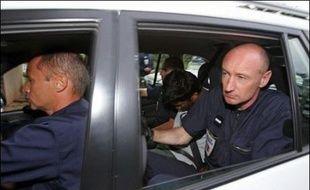 Quatorze membres de la secte réunionnaise qui a enlevé le jeune Alexandre ont été mis en examen et 12 d'entre eux écroués, dont leur chef Juliano Verbard, a-t-on appris mercredi au palais de justice de Saint-Denis-de La Réunion.