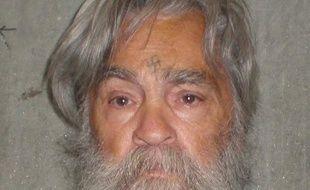 """Les services pénitentiaires californiens ont diffusé jeudi une photo récente du """"gourou"""" Charles Manson, emprisonné depuis plus de quarante ans pour une série de crimes célèbres, et dont la liberté conditionnelle sera examinée mercredi par les autorités"""