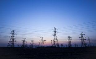 Les lignes à haute et très haute tension distribuent l'électricité à travers le territoire.