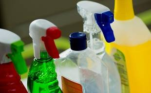 Les produits ménagers que l'on utilise au quotidien peuvent être dangereux pour la santé et l'environnement.