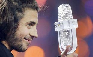 Le chanteur portugais Salvador Sobral a remporté l'Eurovision à Kiev (Ukraine), le 13 mai 2017.