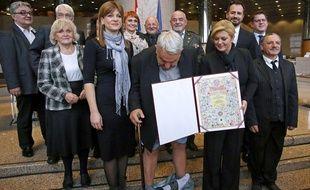 Remise de diplôme et perte de pantalon le 8 décembre 2015 en Croatie.