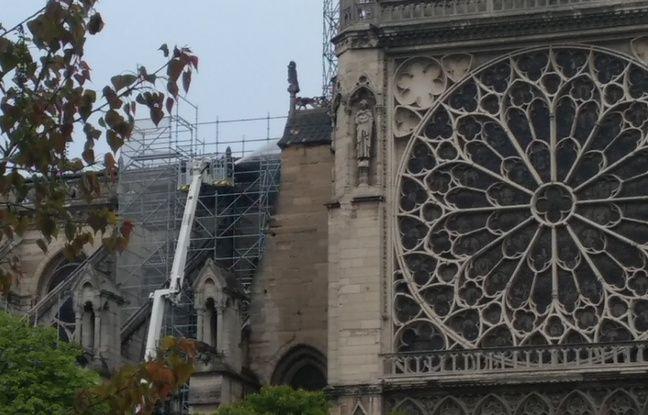Incendie à Notre-Dame de Paris: Des ouvriers ont fumé sur l'échafaudage avant l'incendie