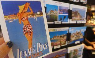 La carte postale, un incontournable des vacances d'été.