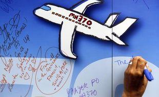 Video Vol Mh370 L Avion De La Malaysia Arlines Etait A Court De Carburant Lorsqu Il A Disparu