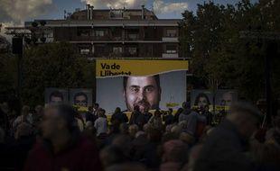 Un portrait d'Oriol Junqueras, député élu en détention.