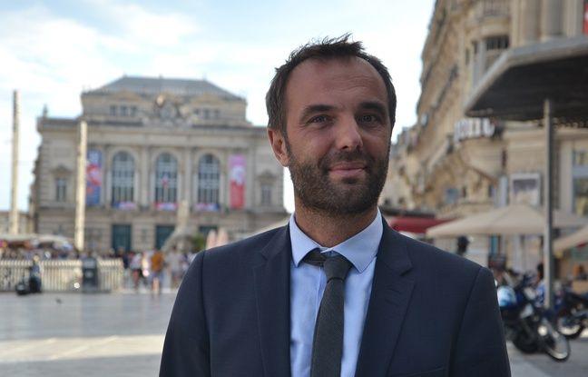 Michaël Delafosse (PS), ici sur la place de la Comédie, est candidat à la mairie de Montpellier.